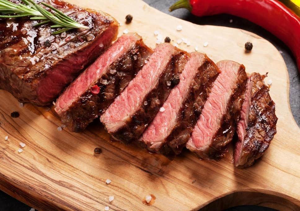 Thịt bò chính là một trong những thực phẩm làm vết thương sậm màu