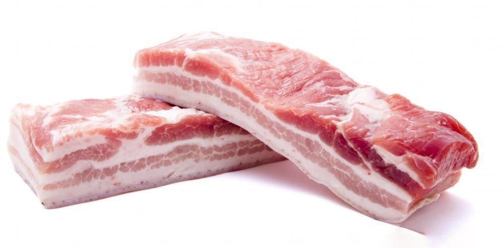 Thịt lợn là thực phẩm phổ biến để chế biến món ăn.