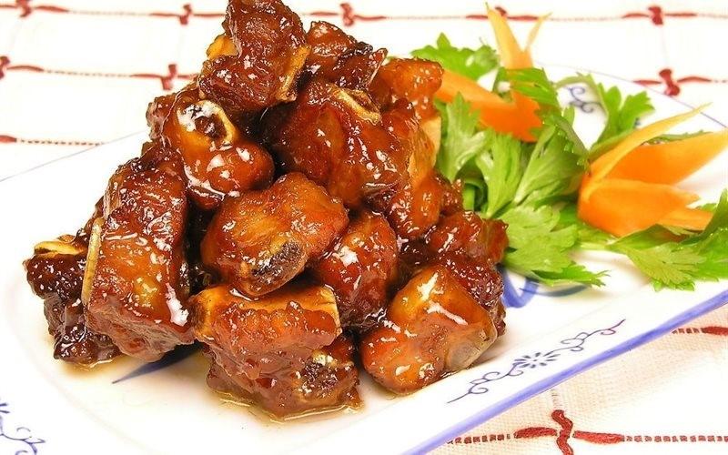 Sườn xào chua ngọt là món ăn ngon, hấp dẫn có ở khắp nơi.