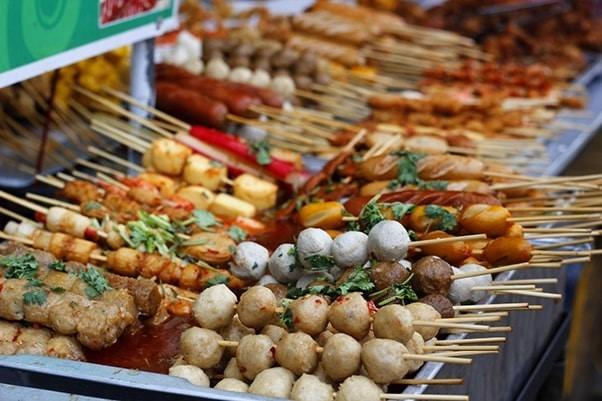 Xiên que món ăn vặt sài Gòn nguồn gốc từ Trung Hoa