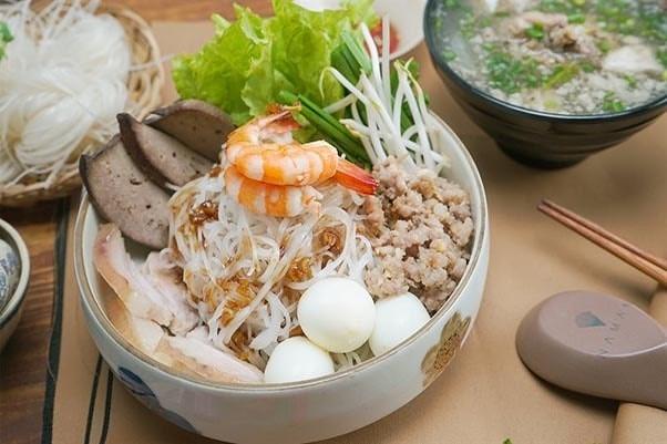 Hủ tiếu món ăn vặt không thể thiếu của Sài Gòn