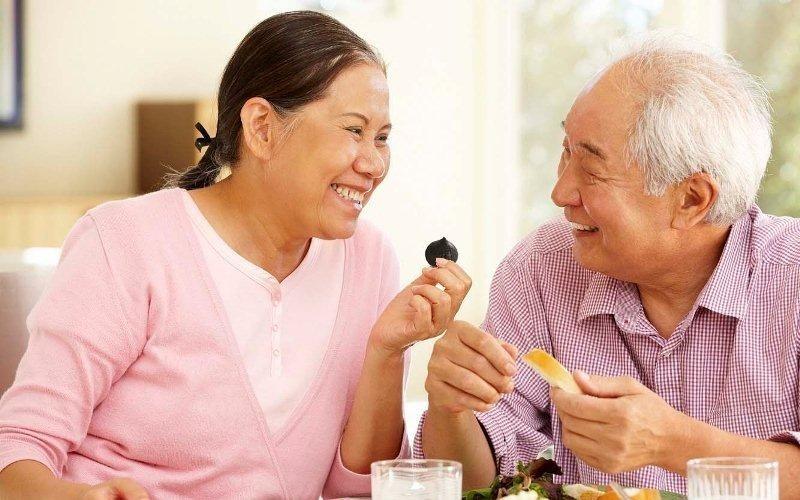 Tỏi đen tốt cho sức khỏe người cao tuổi.